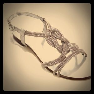 NIB Vince Camuto Sexy Studded Knot Design Sandals